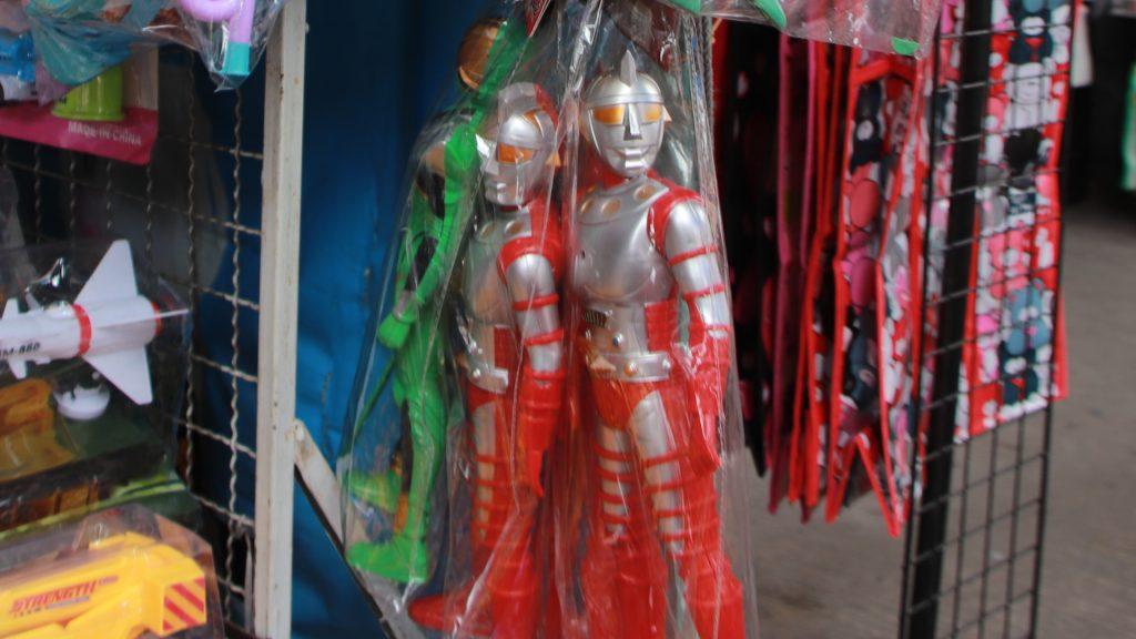 タイで売られる「ジャンボーグA」の人形